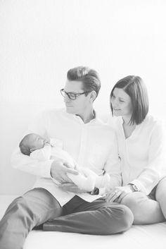 familienfotos, ketsch, neugeborenenfotos, babyfotos, kinder, baby, neugeboren, zu hause, natuerlich, entspannt, fotografie, portraits, authentisch, ehrlich, papa, mama, baby