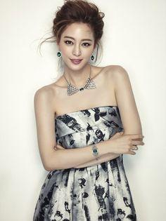 cool Lee Yoo Ri Han Ye Seul & for Cosmopolitan, December 2014