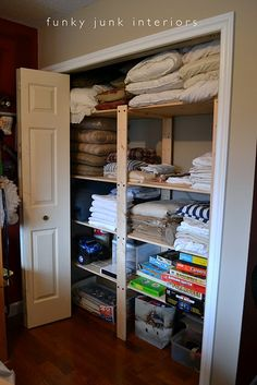Donna's closet after she wrought Gorm magic upon it.  I gotta get me some o' these.