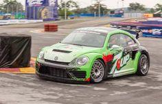 Volkswagen построил 544-сильный Beetle GRC. Американское подразделение Volkswagen и команда Andretti Autosport разработали для участия в чемпионате по ралли-кроссу Global Rallycross спортивный Beetle GRC. Новинка получила 1,6-литровую 544-сильную турбочетверку, гоночную секвентальную шестиступенчат