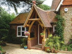 oak porches - Google Search Front Door Porch, Front Doors, Door Arbor, Beam Structure, Period Living, House With Porch, New Homes, Cottage, Porches