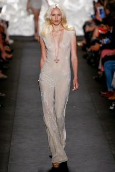 Gossamer ------------ Naeem Khan Spring 2015 Ready-to-Wear - Collection - Gallery - Look 1 - Style.com