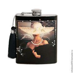 """Купить Фляжка дамская """"Прекрасная незнакомка"""" - фляжка, фляга, фляжка декупаж, фляжка в подарок, фляжки Бокал Для Коктейля, Декупаж, Поделки, Вдохновение, Украшенные Бутылки"""