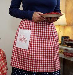 Le tablier de cuisine Sidonie, fait main dans l'atelier de Minipop.