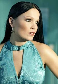 Tarja Turunen biography: Tarja Turunen bio and discography, pictures and other information. Originally from Kitee, and born on August Tarja Turunen is performs in a Metal symphonique Lied style. Metal Sinfônico, Rock Y Metal, Gothic Metal, Metal Bands, Symphonic Metal, Musica Metal, Ladies Of Metal, Heavy Metal Girl, Idol