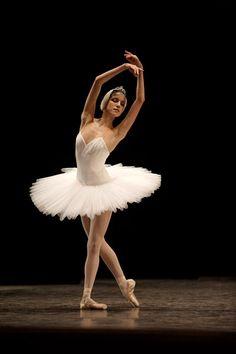 Dancing Through Life : Photo