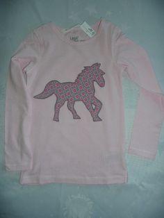 T-Shirts - T-Shirt mit Pferd Applikation - ein Designerstück von sternschnuppe-maisonne bei DaWanda