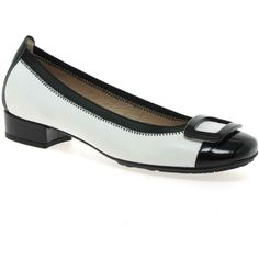 Shop online for Hispanitas Amber low heel court shoes. Featuring two tone design with patent toecaps. Low Heel Shoes, Low Heels, Plastic Trim, Sixties Fashion, Fashion Blogs, Court Shoes, Monochrome, Amber, Pairs
