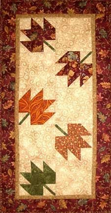Autumn table runner - no pattern Table Runner And Placemats, Table Runner Pattern, Quilted Table Runners, Fall Table Runner, Patchwork Patterns, Quilt Patterns, Plus Forte Table Matelassés, Couture Pour Halloween, Bed Runner