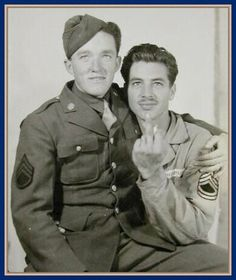 Vintage male couple before Stonewall, Gay Pride and Marriage Equality. Gay folks have been out there the whole time.>>I love this picture Couples Vintage, Cute Gay Couples, Vintage Love, Vintage Men, Vintage Sailor, Lesbian Couples, Vintage Romance, Lgbt History, Portraits