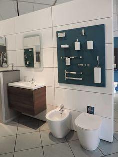 Ti aspettiamo nel nostro #showroom per scoprire tutte le novità dei prodotti @idealstandarduk  per #arredare il tuo #bagno, come la nuova serie #ConnectSpace www.gasparinionline.it #brescia #interiors #store #arredobagno #design #madeinitaly