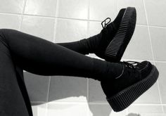 Creepers are very beautiful shoes. Sock Shoes, Cute Shoes, Me Too Shoes, Shoe Boots, Aesthetic Shoes, Aesthetic Grunge, Grunge Shoes, Grunge Dress, Looks Style
