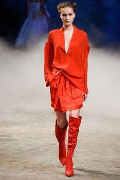 A.F. Vandevorst Spring 2015 Ready-to-Wear Fashion Show