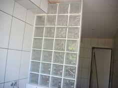 Bloco de Vidro para Cozinha -O bloco ou tijolo de vidro pode ser uma ótima opção para a decoração tanto pro interior quanto para o exterior. Mais informação pelo 214 266 310 ou  odem.geral@odem.pt