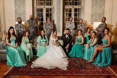 """Danilo Siqueira on Instagram: """"Foto de padrinhos não precisa ser tudo igual, a gente pode tentar fazer uma capa da Vogue de vez em quando né?  #lets_wedding #bridalparty…"""""""