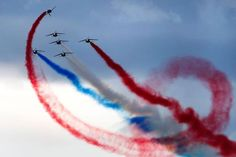REUTERS/Denis Balibouse Payerne, Switzerland  Alpha Jets from the Patrouille de France perform during the Air14 airshow on August 31.
