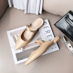 Pointed Toe Block Heel, Block Heels, Mules Shoes, Shoes Sandals, Chain Crossbody Bag, Toe Shape, Clogs, High Heels, Leather