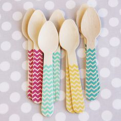This website seriously has the cutest party supplies I have ever seen! And at a very reasonable price.Bright Chevron Ice Cream Spoons