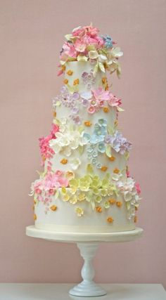 Really pretty and delicate tiered cake! This would be perfect for a Spring wedding or a special birthday!
