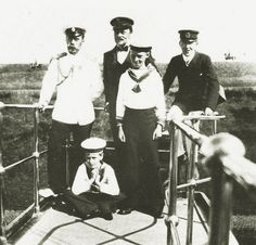Nicholas II with his brother-in-law Ernest of Hesse and his wife's nephews: Louis of Battenberg and Princes Sigismund and Waldemar of Prussia.
