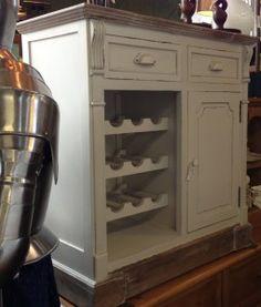 £225 White cabinet/wine rack