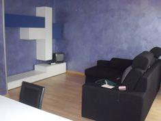 In vendita ad Albignasego (zona Mandriola) un appartamento totalmente ristrutturato al primo piano con tre camere da letto e due bagni finestrati. Zona giorno ampia e luminosa.  Classe energetica G  Ipe kw/anno 235,60  € 163.000,00