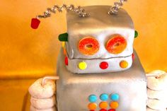 diy robot cake - this is doable!