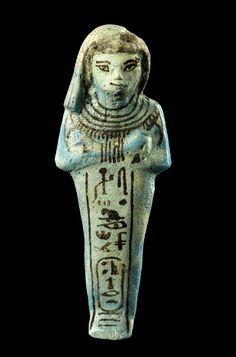 Uschebti der Königin Isisnofret. Regierungszeit Ramses II. (1279–1213 v. Chr.), Fundort unbekannt, Fayence. © Basel, Antikenmuseum und Sammlung Ludwig,  Foto: Rudolf Habegger