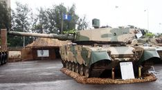 Olifant Mk 2 main battle tank of the South African Army on display. South African Air Force, Armoured Personnel Carrier, Defence Force, Army Vehicles, Battle Tank, American Soldiers, Maine, War, Weapons