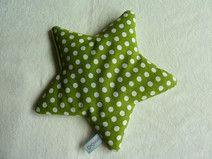 Großer Dinkelstern Wärmekissen Stern grün mit Dinkelfüllung von Dovillo bei dawanda.com