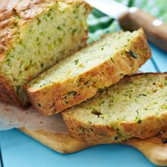 It's National Zucchini Bread Day! Celebrate with this Healthy Zucchini Bread Recipe Zucchini Loaf, Best Zucchini Bread, Zucchini Bread Recipes, Zuchinni Bread, Squash Bread, Green Zucchini, Recipe Zucchini, Healthy Zucchini, Cake Pesto