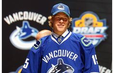 Brock Boeser poses after being selected overall by the Vancouver Canucks in the first round of the 2015 NHL Draft at BB&T Center on June 2015 in Sunrise, Florida. Hot Hockey Players, Hockey Teams, Ice Hockey, Throw Like A Girl, Girls Be Like, Hockey Outfits, Canada Hockey, Nhl News, San Jose Sharks
