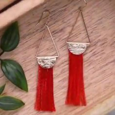 Diy Jewelry Unique, Diy Jewelry To Sell, Diy Jewelry Holder, Diy Jewelry Making, Make Your Own Jewelry, Diy Earrings Video, Diy Jewelry Videos, Diy Videos, Diy Jewelry Inspiration