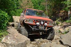 Ford Explorer Rock crawling at SMORR 2012