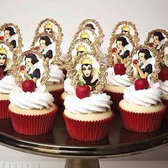 36 Ideas birthday party disney snow white for 2019 Snow White Cupcakes, Snow White Cake, Birthday Party Decorations, Birthday Parties, Cake Birthday, Schnee Party, Snow White Wedding, Snow Party, Snow White Party Ideas