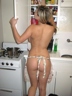Apron nude girl kiss the cook