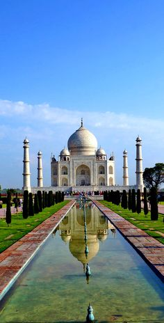 Scenic View of Taj Mahal, Agra, India Places Around The World, The Places Youll Go, Places To Visit, Around The Worlds, New Seven Wonders, Wonders Of The World, Taj Mahal, Beautiful World, Beautiful Places