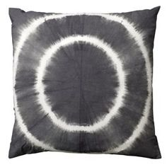 Tie-dye Cushions - Off White and Grey Tye And Dye, Tye Dye, Vogue Home, Tie Dye Fashion, Black Tie Dye, Grey Tie, Diy Cushion, Grey Pillows, Batik