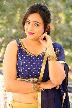 Actress bubbly navel bhabhi ❣️❣️