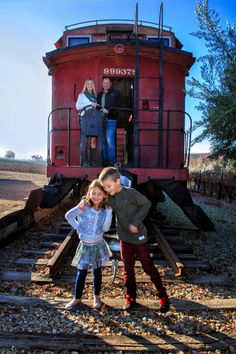 Carolyn V Photography, family portraits, family portrait pose idea, California Central Coast Portrait Photographer