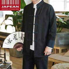 Matériel : COTTON Référence : JPN3733  Kimono simple dans un style Chinois avec un col mandarin avec quelque touche de bleu marine. Japanese Fashion, Korean Fashion, Mens Fashion, Col Mandarin, Style Chinois, Kimono, Bleu Marine, Simple, Dresses