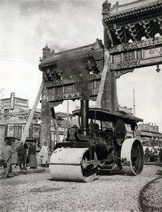 File:Steamroller at Tung Sze Pailou.jpg