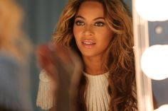 Beyoncé | Mrs Carter Show World Tour - Behind the Scenes