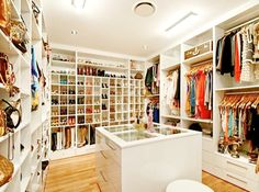 i want this closet please :)