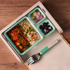 Lunchbox Rice with Chicken- Lunchbox Arroz con Pollo Take your food inside a food and you will not have to share it … will you? Vegan Breakfast Recipes, Vegan Recipes Easy, Gourmet Recipes, Snack Recipes, Toast Pizza, Pizza Snacks, Meal Prep For The Week, Food Hacks, Food Videos