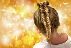 Keď má Vaša dcéra 3 roky, pohodlný účes sa stáva samozrejmosťou. Detské účesy s jednoduchým tvarom by mali vydržať aj pri najväčších detských nezbednostiach. Aj keď nie vždy je to tak. :) Prinášam… Dreadlocks, Hair Styles, Beauty, Hair Plait Styles, Hair Makeup, Hairdos, Haircut Styles, Dreads, Hair Cuts