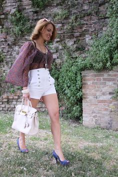 High-waisted shorts & Inspiration with Voguedrobe (Fashion outfit #27) - The Indian Savage diary