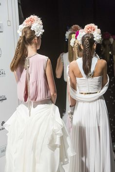 peinados de boda Girls Dresses, Flower Girl Dresses, Bridesmaid Dresses, Wedding Dresses, Bridal, Hair Styles, Fashion, Wedding Hairs, Bridal Gowns
