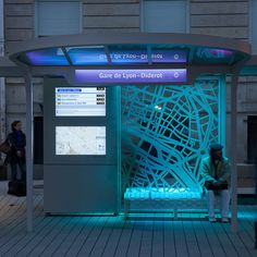 Station Diderot : projet d'une station de bus experimentale, EBSF (European Bus System of the Future) - aurel studio    via http://www.theatlanticcities.com/commute/2012/06/building-better-bus-stop/2325/