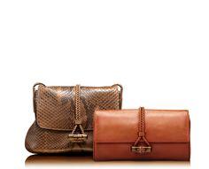 Leather pochette hip bamboo by Gucci @gucci #gucci #bag #pochette